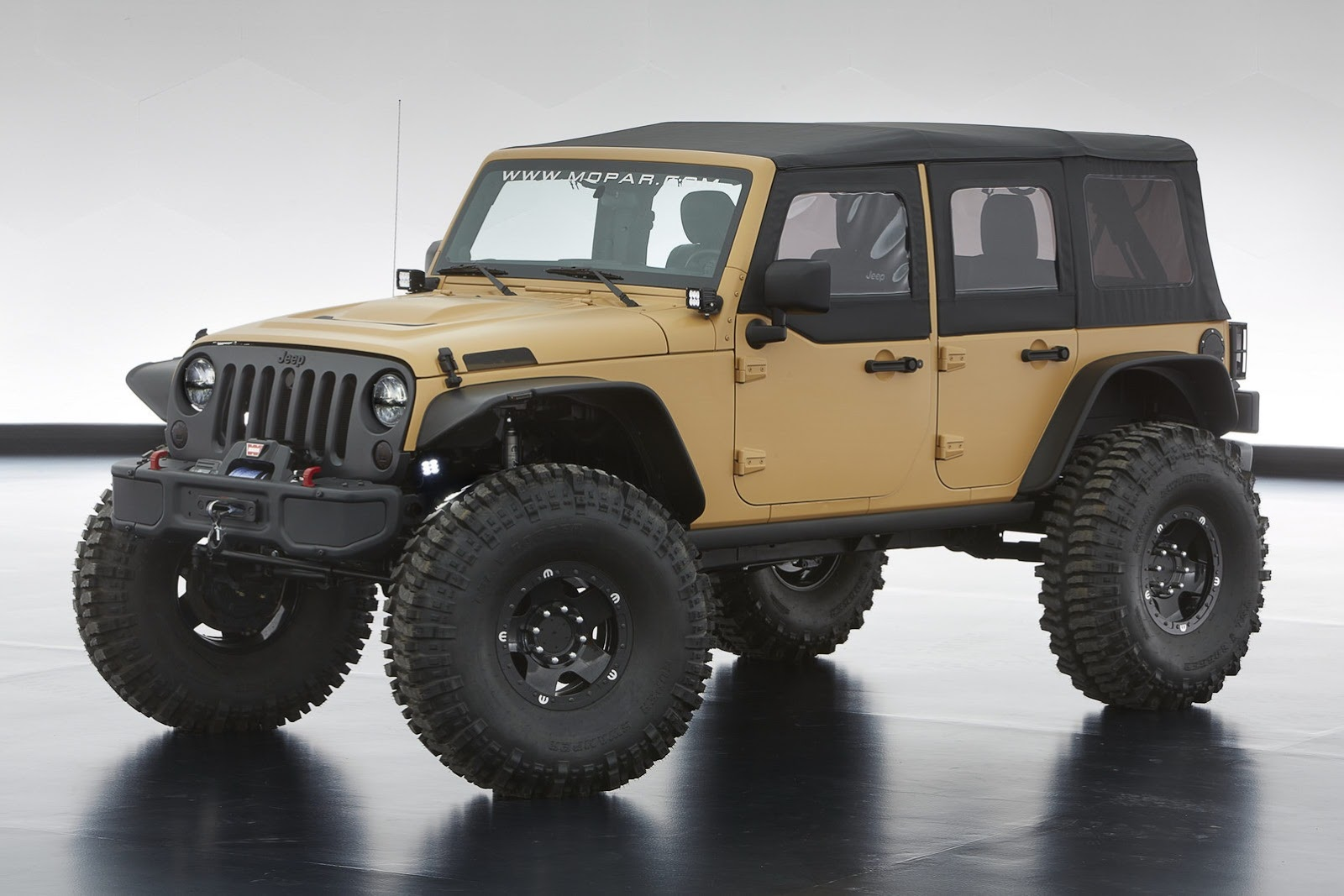 3ee664e7909 Jeep Performance Parts prototype forged beadlock wheels carry 40-inch  off-road tires, giving Sand Trooper II its menacing stance.